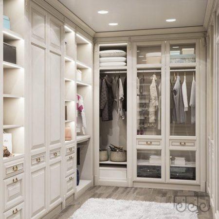 Классическа гардеробная комната