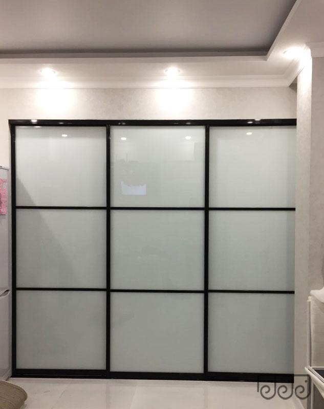 Межкомнатная матовая дверь-купе