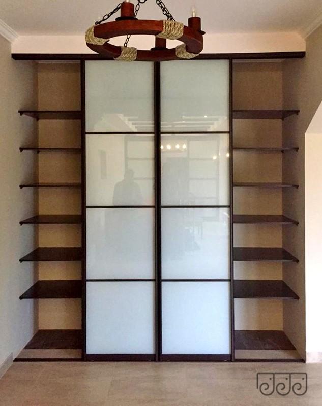 Встроенный шкаф купе из Дуба Венге